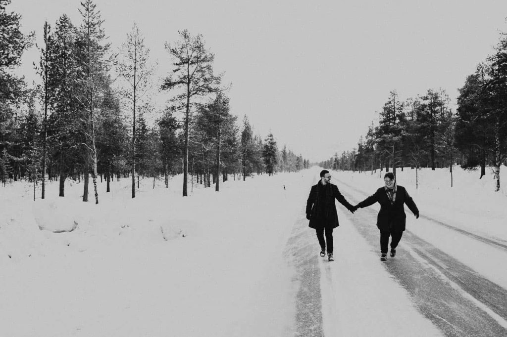 Winter elopement in Northern Norway